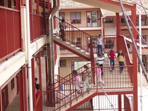 """Clasificación como Colegio de Educación General Básica mixto """"José Arnauda"""" con 16 unidades."""