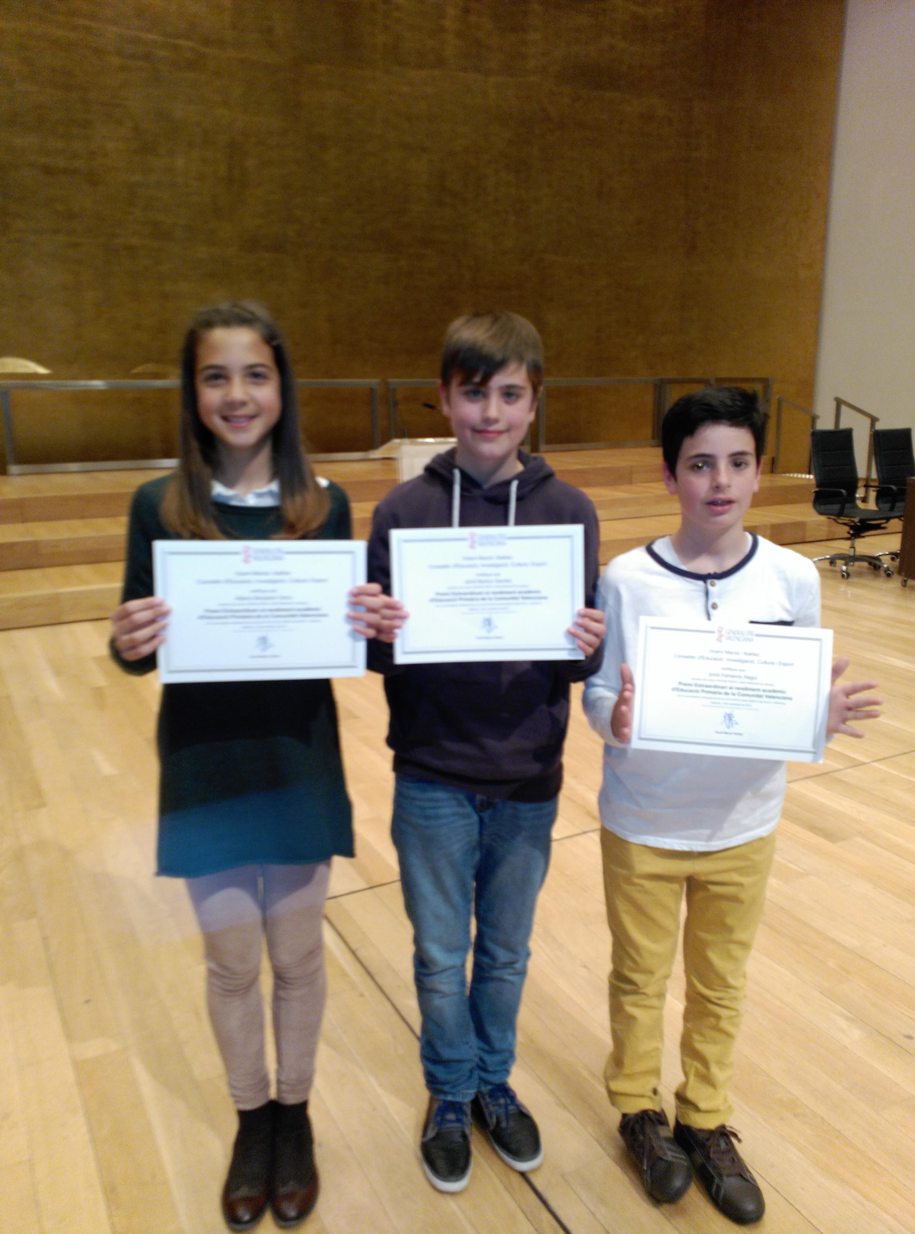 Tres alumnes del José Arnauda reben el Premi Extraordinari de Rendiment Acadèmic de Primària